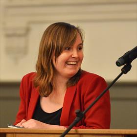 Lilian Zielstra (stadsdichter van Groningen en medewerker van Godert Walter).