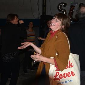 Book Lover op de dansvloer: Marieke de Groot (freelance redacteur, boekverkoper Het Paladium, Amsterdam, jurylid Biesheuvelprijs).