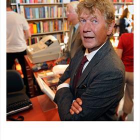 Wim Bosch, 'ik lees het liefste in mijn tuin'.