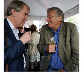 Laurens van Krevelen (initiatiefnemer Fonds voor Midden- en Oost-Europese Boekprojecten), Nicolaas Matsier (auteur).