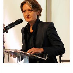 Marjolijn Februari (auteur, essayist, filosoof) - nooit meer praten over gratis wijn.