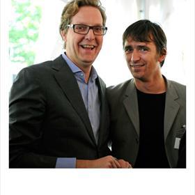 Je blijft er kennelijk jong bij: Walter Groenen (directeur Cultureel Jongeren Paspoort – CJP), Daan Beeke (projectcoördinator, Stichting Lezen).
