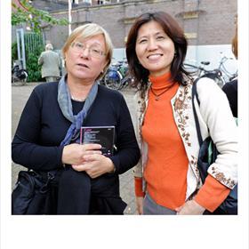 Vertalers van onze - middelgrote - taal: Aneta Dantsjeva (naar het Bulgaars), Etsuko Nozaka (naar het Japans).