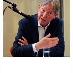 Laurens van Krevelen: 'Het gaat om niets meer of minder danonze bibliodiversiteit.'Wordt het boek weer een elite-ding?