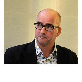 Arno Koek (semi-onhankelijk boekverkoper te Heemstede) 'Het is een mooi vak. We moeten er gewoon keihard tegenaan.'