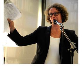 Xandra Schutte (hoofdredacteur De Groene Amsterdammer en moderator). 'Komt het goede boek in de knel?'