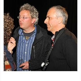 Hans de Kort (fotograaf),Gerard Wessel (fotograaf), beiden waren De Leeuw'sassistent ca '83-'88.
