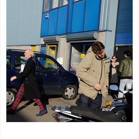Hip & Happening aan de Hemweg - de presentatie van het boek van fotograaf Bart van Leeuwen.
