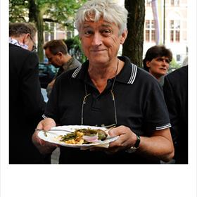 Meesterverteller Jan Wijnen was aardrijkskundeleraar en bleef verhalenverteller. Binnenkort komt zijn vierde bundel uit.