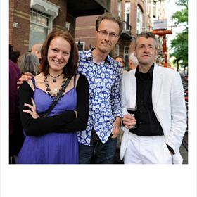 Laura de Moor (vormgever), Mark Mieras (wetenschapsjournalist), Jan Bart Dieperink (striptekenaar) verstrippen wat & hoe & waarom & de noodzaak van het puberbrein. Verwacht medio 2013.