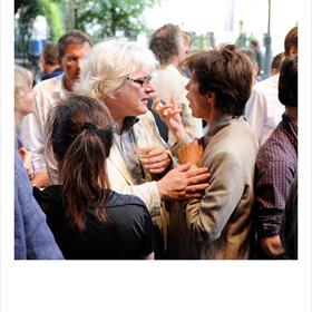 Grip - Pieter de Bruijn Kops (acquirerend redacteur Nieuw Amsterdam)in gesprek met Jet Bakels (antropoloog, auteur informatieve kinderboeken).