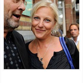 Hij blijft leuk - Volken Beck (vormgever),Eva Posthuma de Boer (auteur 'De Comedy Club').