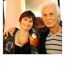 Maatjes - Lidewijde Paris (uitgever)en Frans van der Wiel (vertaler).