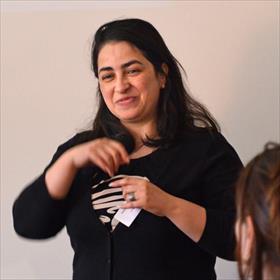 'Arabieren kijken' met Hasnae Bouazza (auteur).