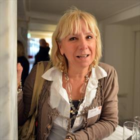 Annet Kamphuis (boekhandel Blokker, Heemstede). Ambassadeur van Artemis.