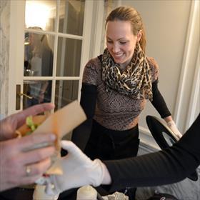 Ecofabulous Lisette Kreischer met haar onvolprezen vegecoburger.