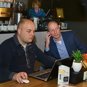 Enkele vrijwilligers: OnlinemanEric Steuren accountantSjef van der Schoot.