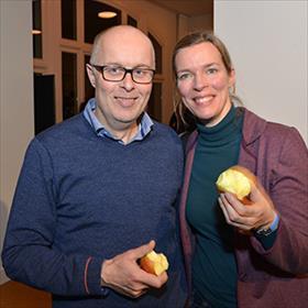 George van Elburg (zzp'er bij Ambo-Anthos) en Lidewij van den Berg, vertaalster