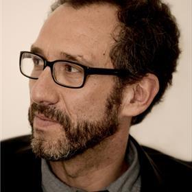 Ricardo Menéndez Salmón sprak met Arno Camenisch en Christophe Van Gerrewey over lezen en schrijven als manieren om de tijd anders te ervaren en over de auteur als chroniqueur van onze tijd.