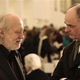 László Krasznahorkai in gesprek met uitgever Koen van Gulik.