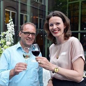 Joris van de Leur (uitgeeefdirecteur De Fontein), Maaike Maaswinkel (brandmanager VBK)