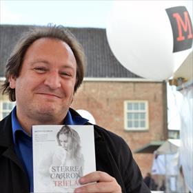 Dirk Demuynck (Witsand Uitgevers) gaat voor het spannendeTrifla vande Vlaamse auteurSterre Carron.