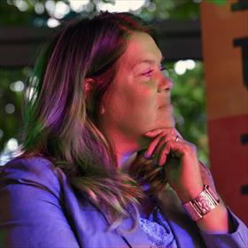 Nathalie Scheffer (genomineerd) van het magnifieke boekhandelsconglomeraat in Weesp, waaronderkinderboekhandel De Kleine Prins.
