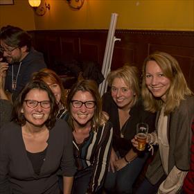 Miriam van de Ven (grafisch ontwerpster), Renate Liesker (acquirerend redacteur Ambo|Anthos), Jeannette Ploeger (uitgever de Fontein), Melissa van der Wagt (adjunct-uitgever Hollands Diep).