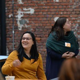Pakistaans-Belgisch: Sayira Maruf (psycholoog), tevens Sari Mar (auteur 'Vleugels van papier').