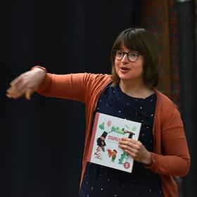 Floor Tinga (auteur 'Stapelgek' een prentenboek over autisme).
