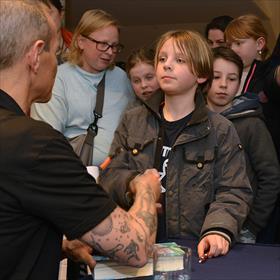 En niet te vergeten: voor iedereen de échte Andy Griffiths-handshake.