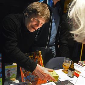 Strips, graphic novels - van en voor liefhebbers. Ria Schulpen (uitgeverij Bries, Borgerhout).