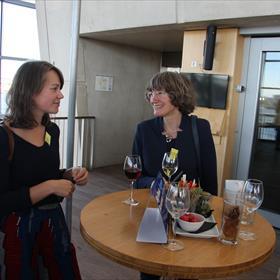 Anouk Storteler en Manon Mesdag van Boekhandel Veenendaal.