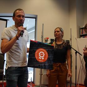 'Eiland' van Mark Janssen kreeg de Hebban Jeugdliteratuur Clubprijs.