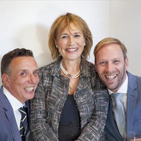V.l.n.r. Paul Sebes, 'la grande dame' Annemarie Oster, Willem Bisseling