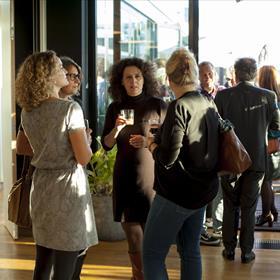 VBK is in the house. V.l.n.r. Jet Hopster (freelance redacteur), Renate Liesker (Ambo Anthos), Marike den Brok (Luitingh Sijthoff), Jeannette Ploeger (De Fontein)