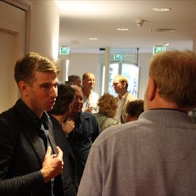 Bart Gielen was een ontspannen, gezellige presentator die de juiste vragen aan Frank wist te stellen.