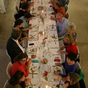 Aan tafel met o.a. Ronald Giphart, Ronald Hoeben, Jonah Freud, Merijn Tol (Delicious), Hilary Akers (FD), Karin Luiten (Trouw)