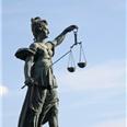 Rechter verbiedt deel van boek over zaak-Van den Hurk