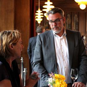 Nineke van Dalen (de Mediafacts Academy) en Patrick Swart (WPG)