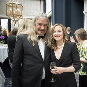 Genomineerd dit jaar en vorig jaar en winnaar in 2014:Ilja Leonard Pfeijffer met vriendin Stella Seitun.