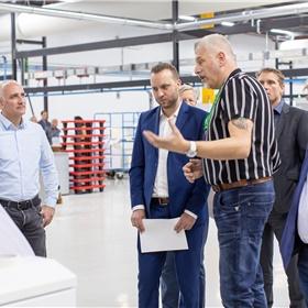 Jurgen Slegers (Medio Europe), Rogier Calsijn (Printforce), Jelle Bode (Studie Bijdehand), Dave van 't Wout (Printforce), Cees Hagenbeek (gepensioneerd, oud-CB)