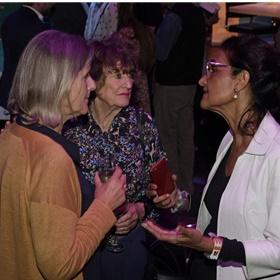Van links naar rechts: Wiesje Brusse, Hedy d'Ancona en Kathleen Ferrier.
