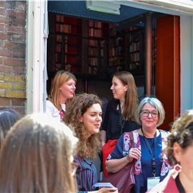 Saartje Kuijs (Boekhandel De Vries in Haarlem), Eveline van der Made (NBC), Pauline Goedemans (shortlist Boekverkoper van het Jaar)