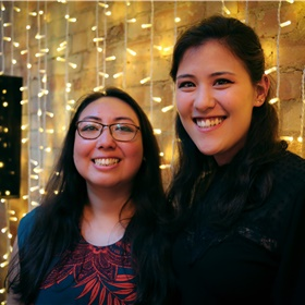 Leah Tanaka en Ella Micheler van de piepjonge kinderboekenuitgeverij Kurumuru.