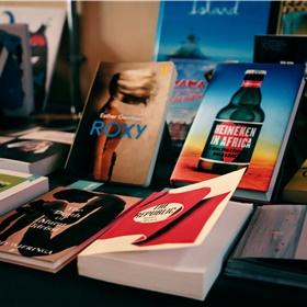 Nieuwe Engelse vertalingen. Inclusief de speciale New Dutch Writing-vooruitexemplaren van Herman Kochs 'The Ditch' die in de goodiebags zat, samen met vertalingen van werk van Jan Rothuizen, Eva Meijer en de prachtige, door Joost Zwagerman samengestelde bloemlezing 'Penguin Book of Dutch Short Stories'. 'The Ditch' verschijnt op 22 augustus, Koch verzorgt dit najaar optredens in Londen, Cheltenham en Durham.