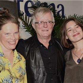 Lotty Liefting en Eva de Vries van Thinium, de producent van de luisterboekversie van Onder verdenking.