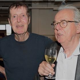 Oosthoek met scenarioschrijvers Carel Donck en Willem Capteyn.