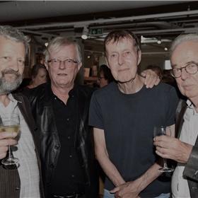 Dit viertal veteranen begon hun samenwerking voor de Publieke Omroep in 1978.