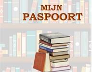 De Wijhese Primera Boekwinkel deelt paspoort uit aan basisschoolleerlingen